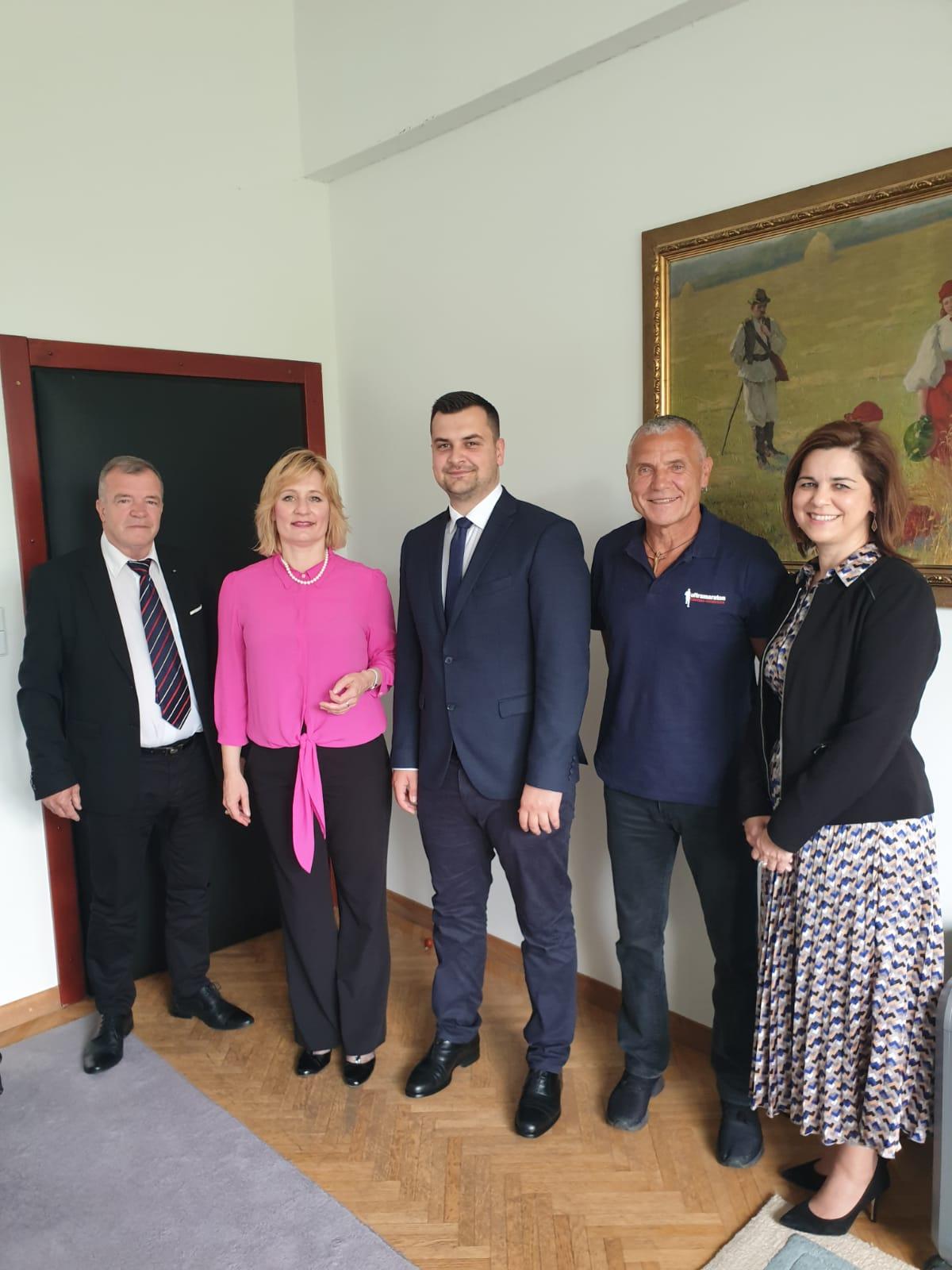 Prijam organizatora i sudionika Ultramaratona Vukovar – Srebrenica u Uredu Predsjednika Republike Hrvatske
